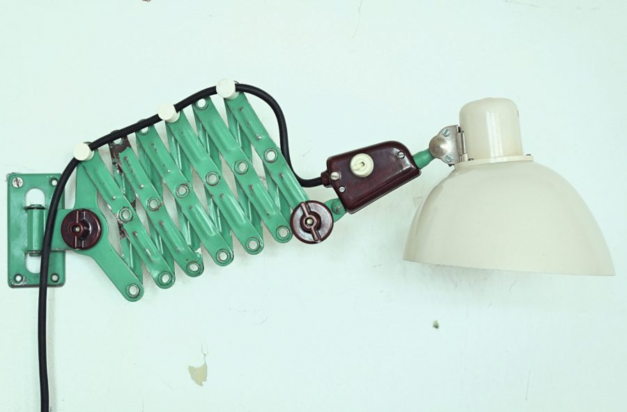 Bakelite Workshop Scissor Lamp by Veb Zweckleuchtenbau Dresden